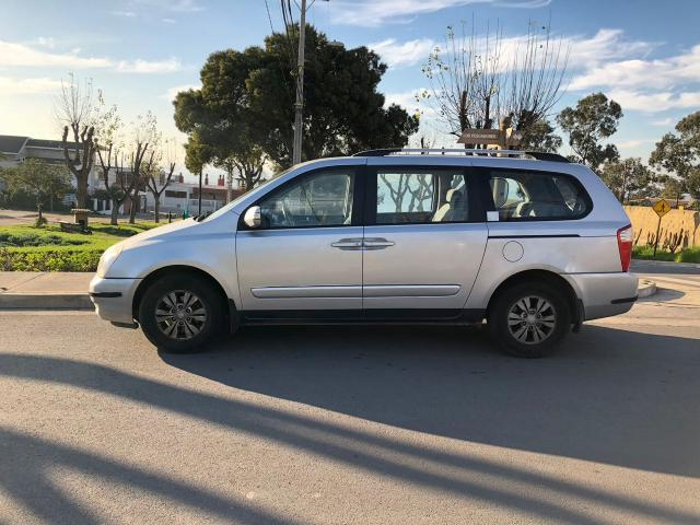 Kia grand carnival ex full 2.2 at 3f