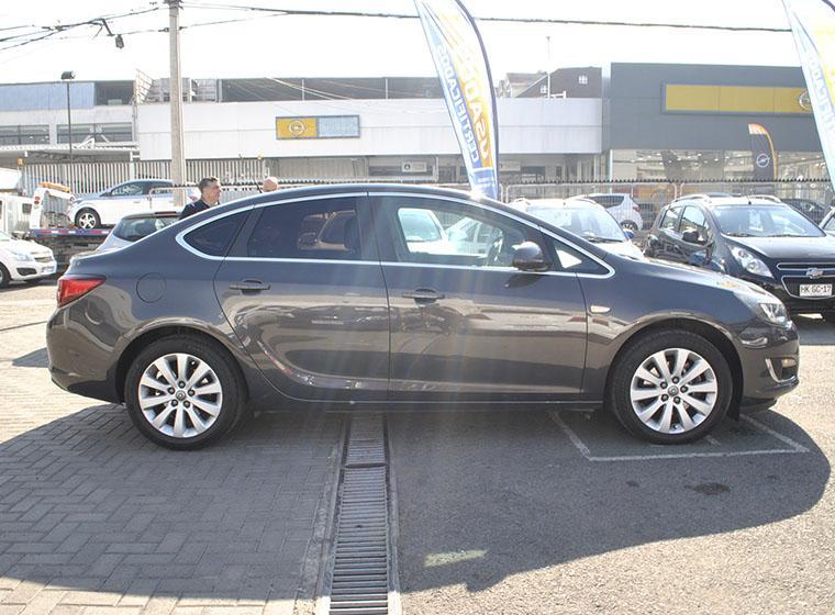Autos Kovacs Opel Astra cosmo turbo 2015