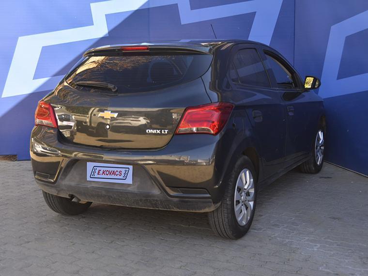Furgones Kovacs Chevrolet Onix lt 2018